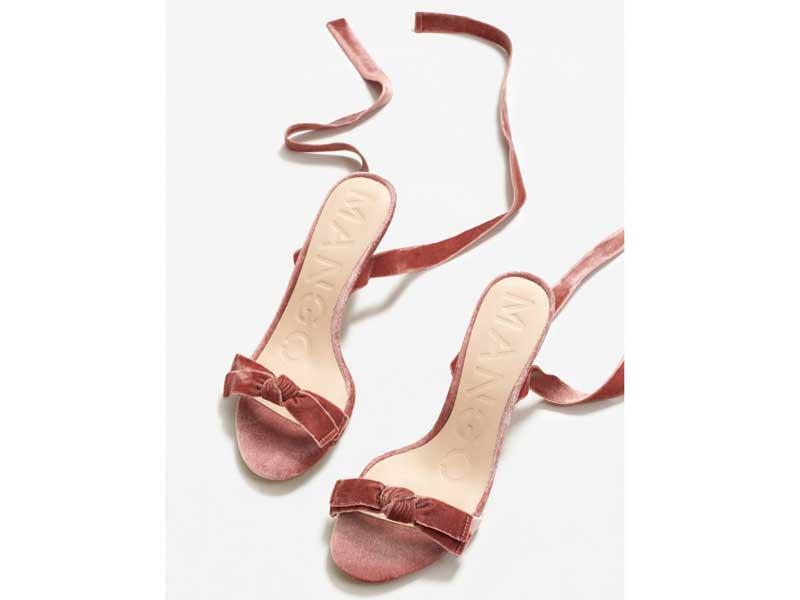 597bd0189 حذاء من المخمل ذو كعب عال، من مانغو في مراكز سيتي سنتر للتسوق